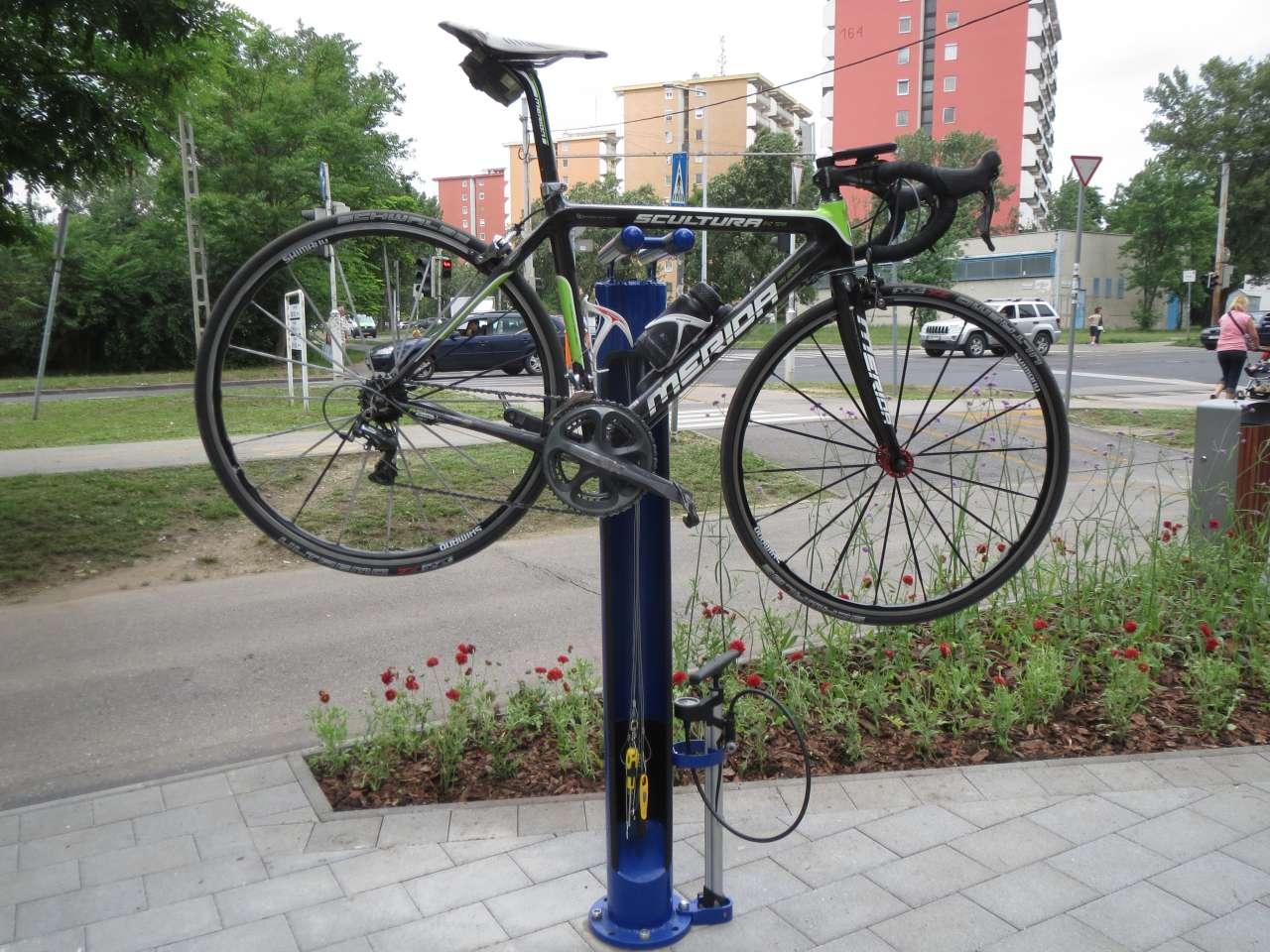 Pest első kerékpáros szervizpontja épült meg Kőbányán