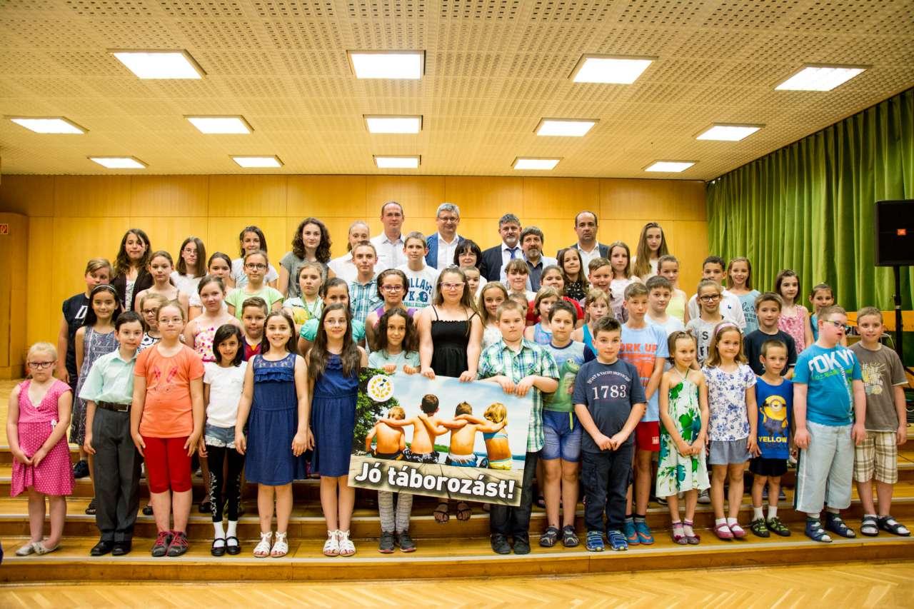Kőbányai gyermekek nyaralását támogatja dr. György István - pályázni lehet