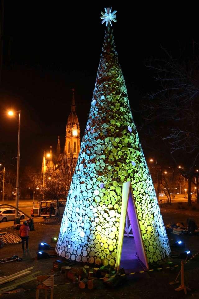 Kőbánya karácsonyfája a Szent László téren