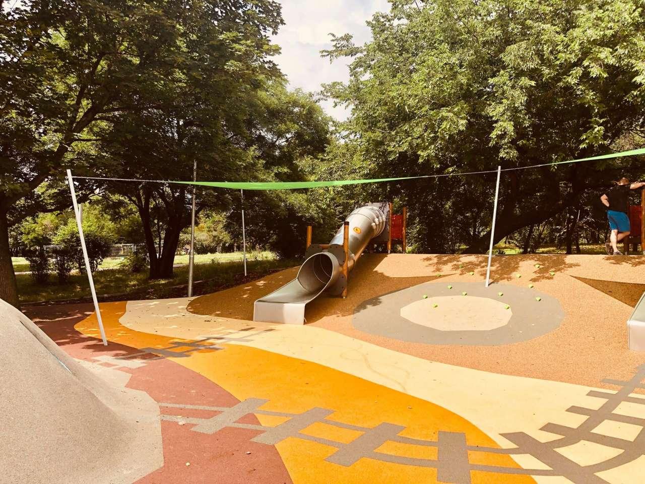 Tematikus játszóterekkel bővült a kőbányai Óhegy park